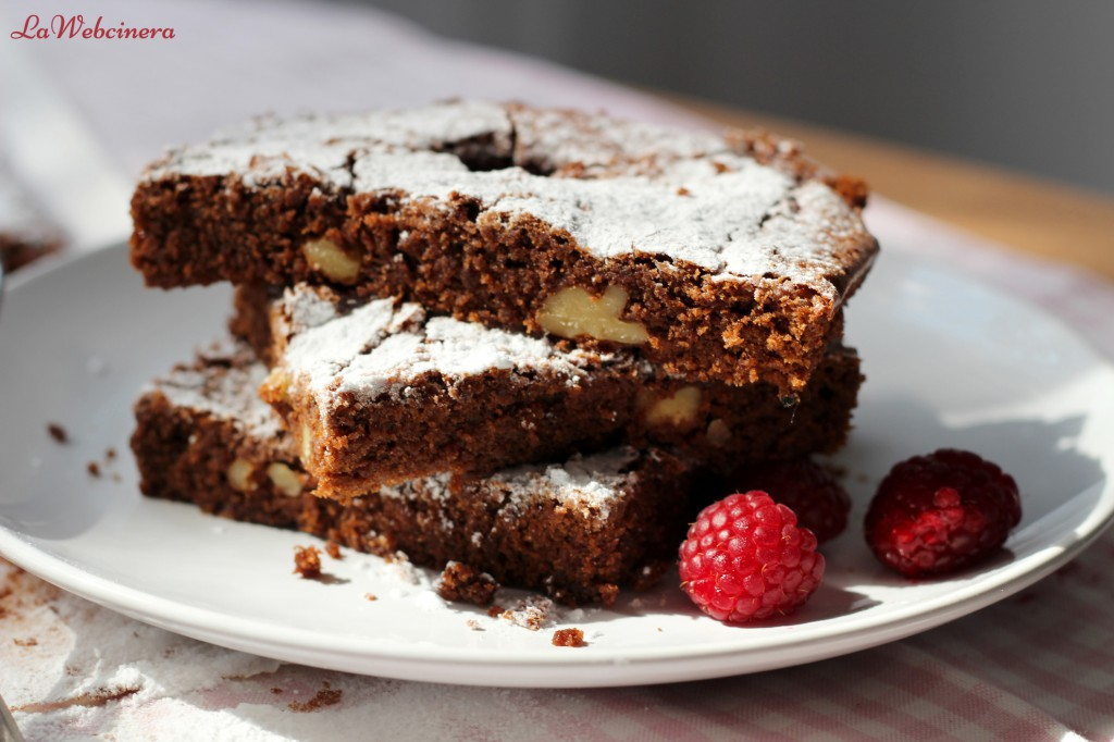 brownie_con_nueces_y_frambuesas