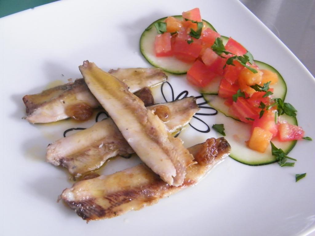 sardinas_con_verduras_frescas
