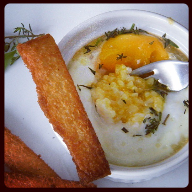 Huevo en cocotte