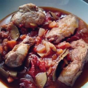 pollo_con_salsa_y_verduras