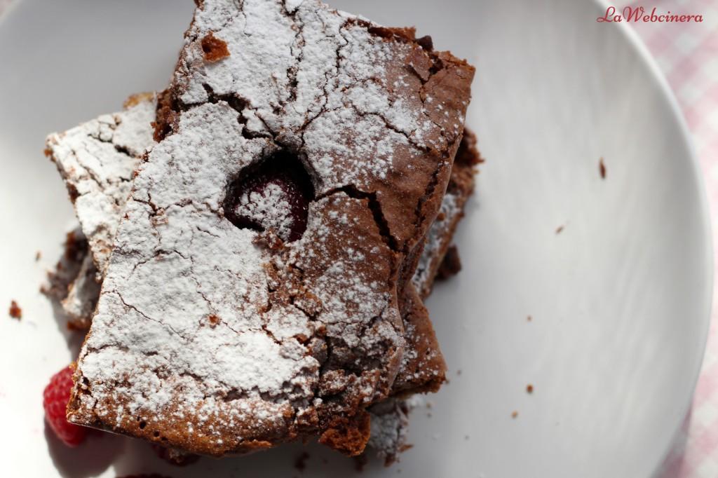 brownie_con_nueces_y_frambuesas