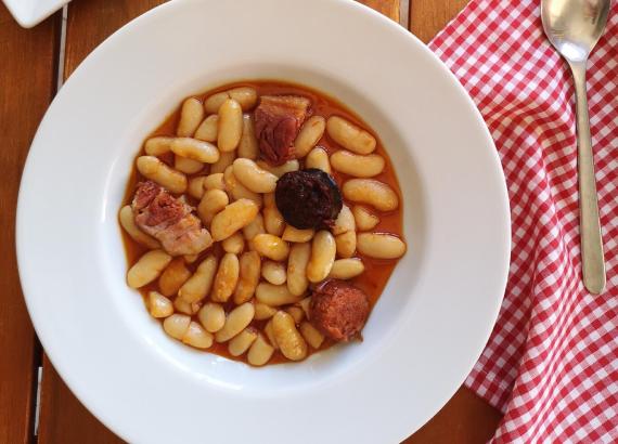 Receta de Fabada Asturiana tradicional