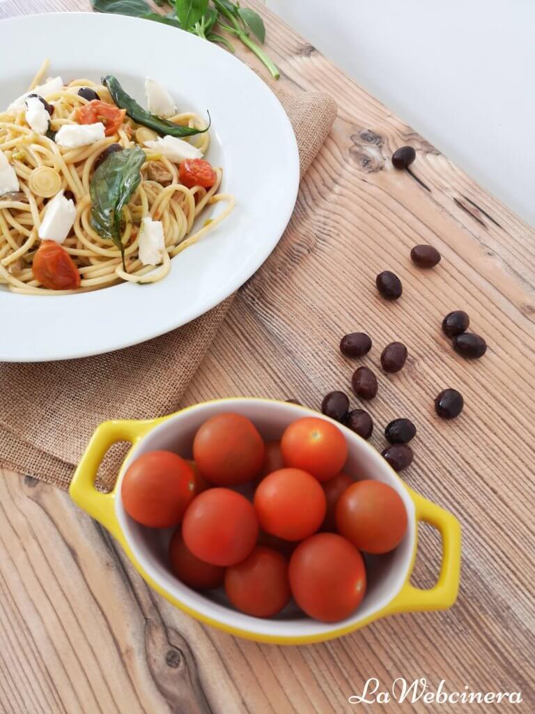 pasta con tomates asados y ajos tiernos