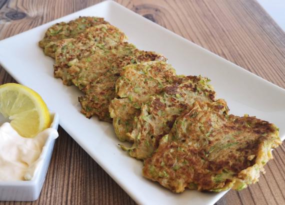 Tortitas de calabacín, receta fácil y saludable