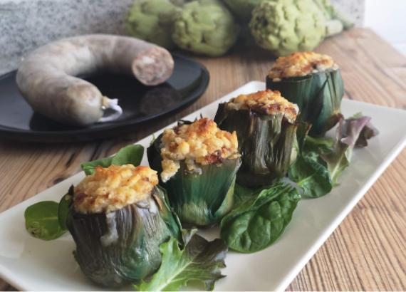 Receta de alcachofas rellenas de butifarra blanca y ajos tiernos