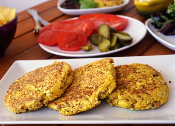 Hamburguesas de coliflor y quinoa, receta vegetariana