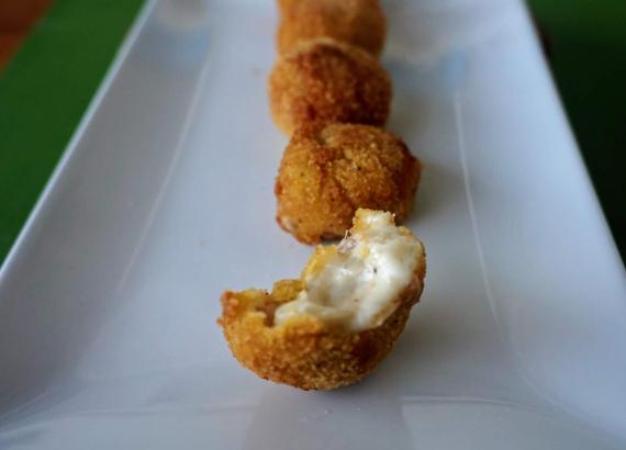 Croquetas de pera y queso azul, cremosas y muy ricas