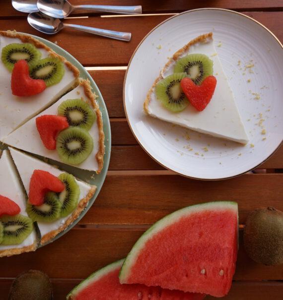 tarta de limón con fruta fresca