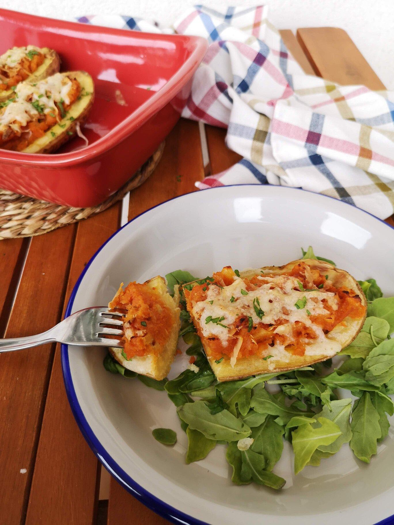 patatas rellenas de boloñesa vegana