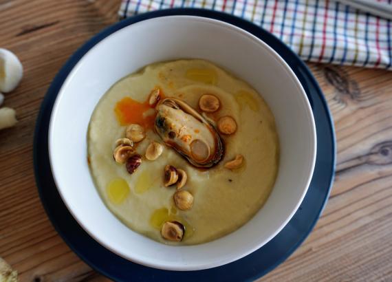 Crema de nabos y puerro, una receta fácil y de temporada