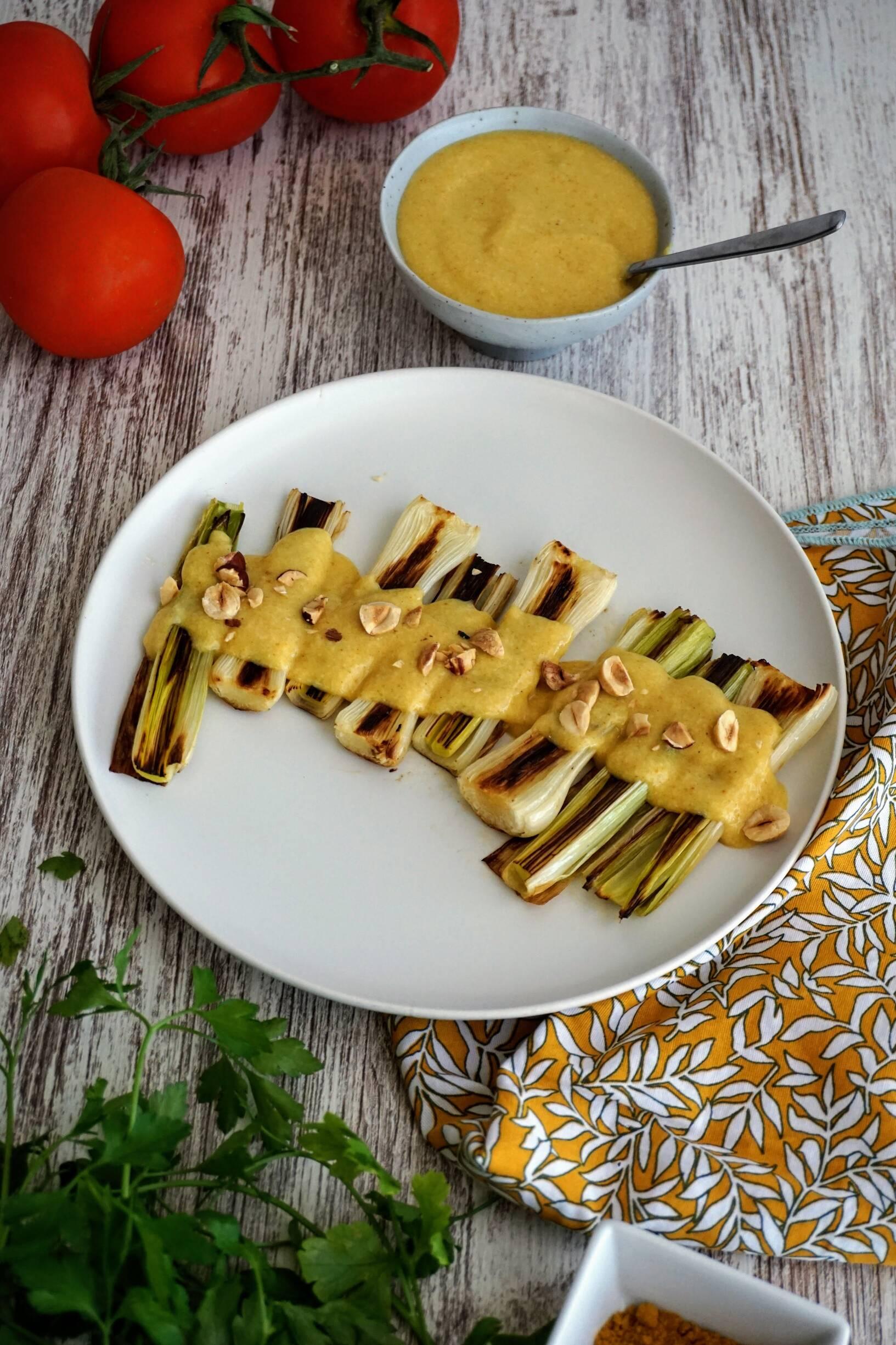 puerros con salsa de curry fácil