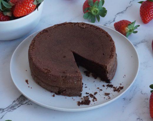 bizcocho de chocolate sin harina y sin levadura.